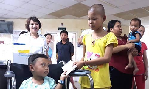 Hai em bé sống sót trong tai nạn xe rước dâu được hỗ trợ gần 5 tỷ đồng