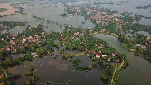 Hàng nghìn hộ dân tại huyện Chương Mỹ vừa trải qua đợt ngập lụt kéo dài. Ảnh: Giang Huy.
