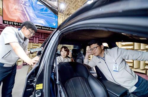 SSZ được Hyundai-Kia phát triển từ năm 2014 và dự kiến xuất hiện trên thị trường trong vòng 2 năm tới.