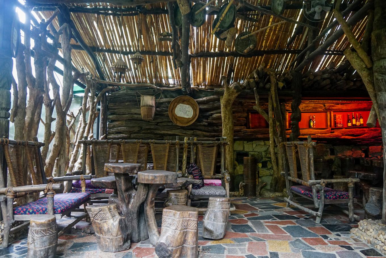 caphetaynguyen 13 1534332561 r 680x0 - Quán cà phê theo phong cách nhà mồ ở Kon Tum
