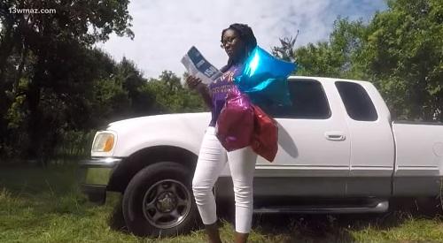 Mykehia Curry đã nhờnhững quả bóng bay gửiđiều ước tới Chúa. Ảnh: WMAZ-TV