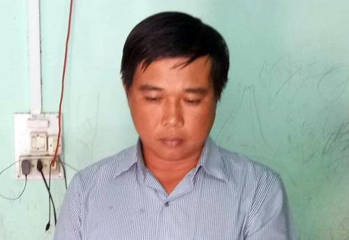 Mộttrong số ba cán bộ địa chính xã bị bắt. Ảnh: Nguyễn Hằng.