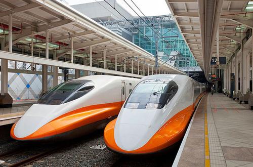 Tàu cao tốc ở Đài Loan được áp dụng công nghệ phân tán động lực. Ảnh minh họa: Xuân Hoa.