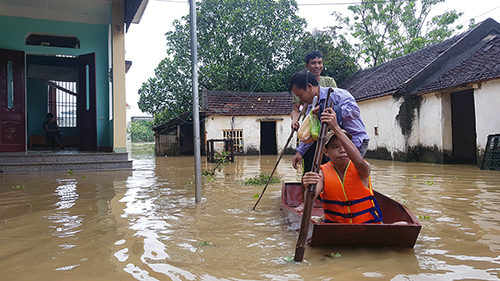 Mưa ngập ở xã Thiệu Dương, TP Thanh Hoá. Ảnh: Lê Hoàng.
