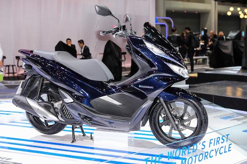 Honda PCX Hybrid từng được trưng bày tại triển lãm Bangkok hồi tháng 3.