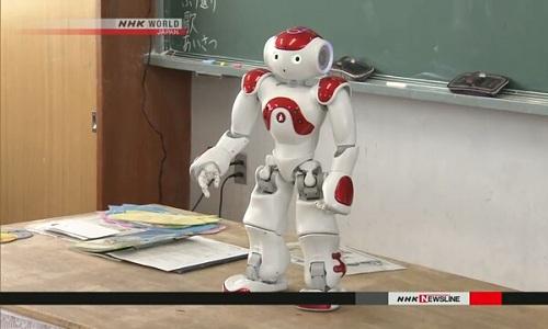 Robot AI được áp dụng trong lĩnh vực giáo dụcở Nhật Bản. Ảnh: NHK