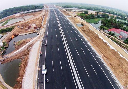 Bộ Giao thông đang đẩy tiền độ các dự án cao tốc Bắc Nam. Ảnh minh họa: Xuân Hoa.