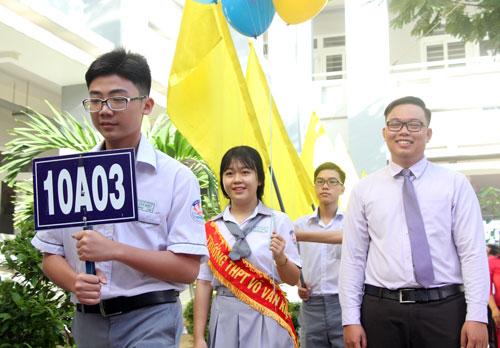 Lễ khai giảng năm học 2017-2018 tại trường THPT Võ Văn Kiệt (TP HCM). Ảnh: Mạnh Tùng.
