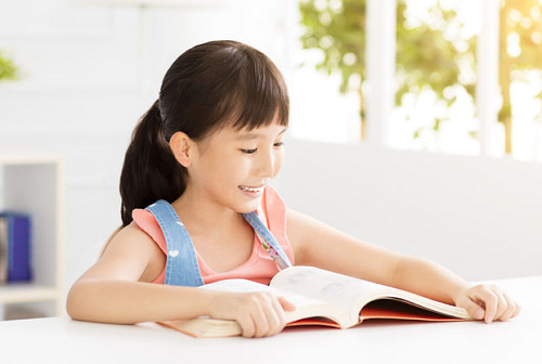 Tự lên kế hoạch giúp trẻ tập trung hơn, dễ đạt được kết quả tốt. (Xin nguồn ảnh)