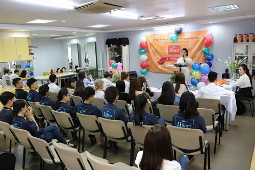 JBart Academy thường xuyên tổ chức chương trình ngoại khóa cho học viên.