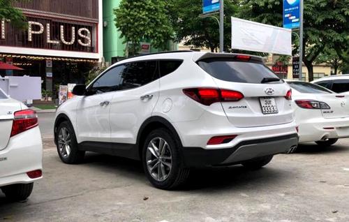 Hyundai Santa Fe bien ngu quy rao gia gan 25 ty