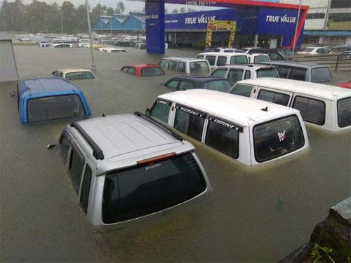 Hàng chục nghìn ôtô ngập nước ở Ấn Độ, thiệt hại 142 triệu USD