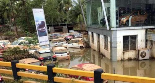 Hàng chục nghìn ôtô ngập nước ở Ấn Độ, thiệt hại 142 triệu USD - 5