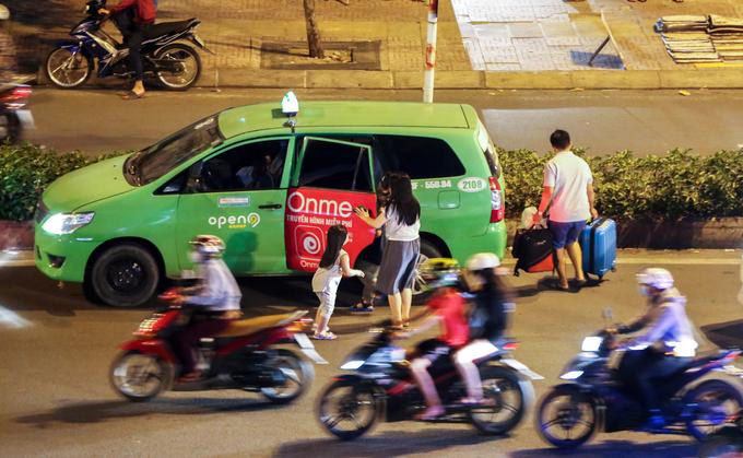 Cửa ngõ Sài Gòn, Hà Nội kẹt cứng trước kỳ nghỉ lễ 2/9