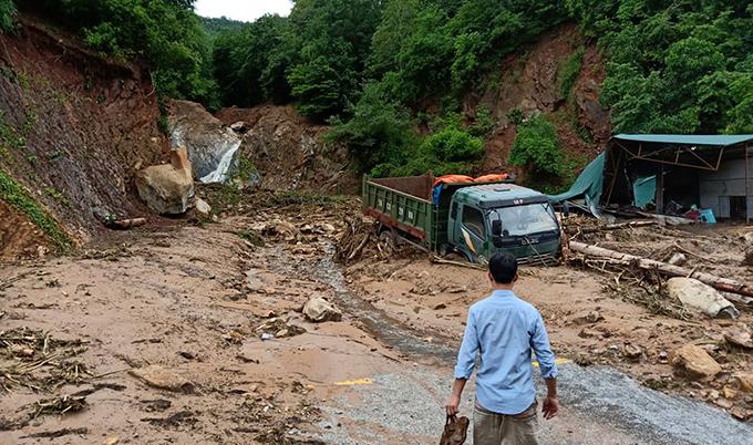 Huyện biên giới Thanh Hoá bị phá huỷ sau cơn lũ lớn