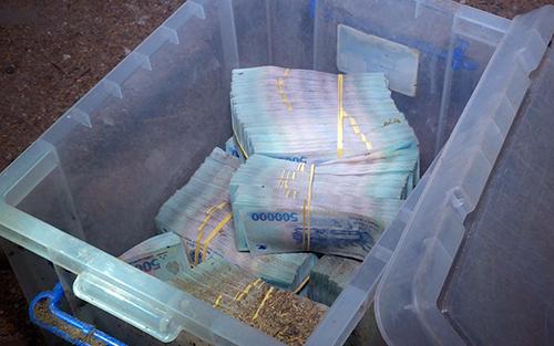 Cảnh sát thu hồi số tiền