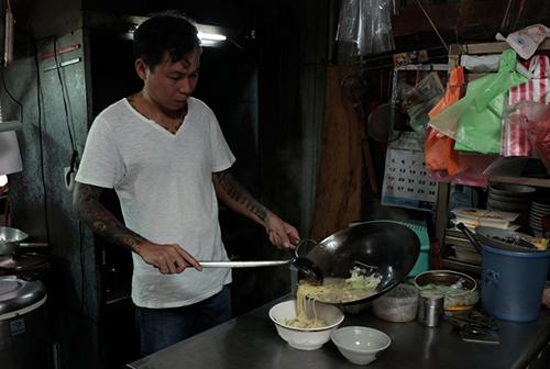 Xã hội đen Đài Loan mở tiệm mỳ miễn phí cho người nghèo