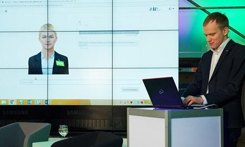 Robot Aida được sử dụng trong ngân hàng SEB, Thuỵ Điển. Ảnh:Sputnik
