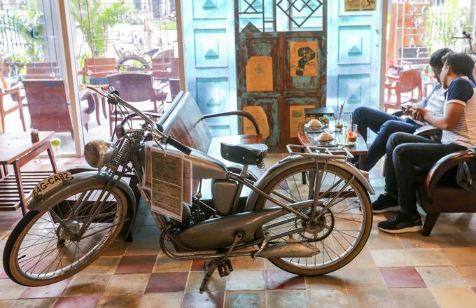Quán cà phê trưng bày hàng nghìn đồ cổ tái hiện Sài Gòn xưa