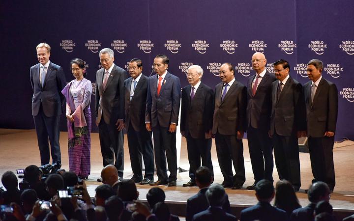 Lãnh đạo cấp cao các nước tham dự phiên khai mạc toàn thể WEF ASEAN. Ảnh: Giang Huy.