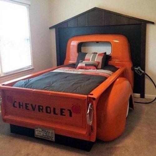 Giường cho dân mê chơi xe.