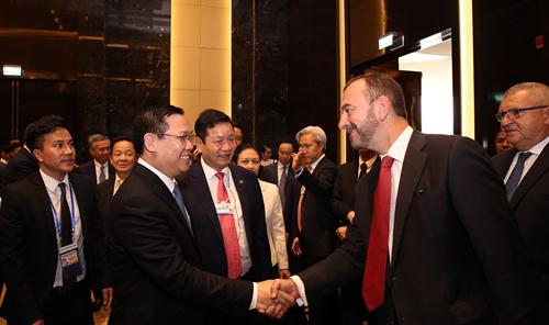 Phó thủ tướng muốn Việt Nam đẩy nhanh nền kinh tế số