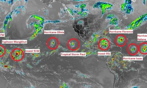 Các cơn bão hiện tại và sắp hình thành trên Đại Tây Dương và Thái Bình Dương. Ảnh: Twitter/Jamaica Weather.