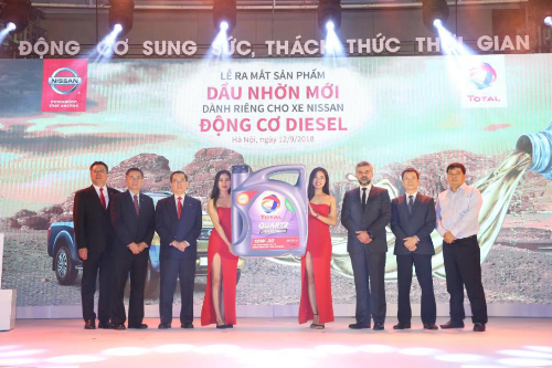 Nissan Việt Nam và Total Việt Nam giới Total Quartz Diesel 4000 CF-4 dành riêng cho các dòng xe động cơ Diesel của Nissan.