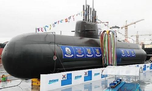 Tàu ngầm Ahn Chang-ho trong lễ hạ thủy ngày 14/9. Ảnh: Yonhap.
