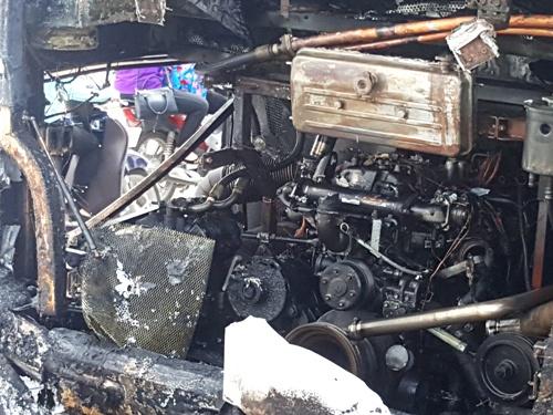 Ngọn lửa được cho là xuất phía từ phía sau xe