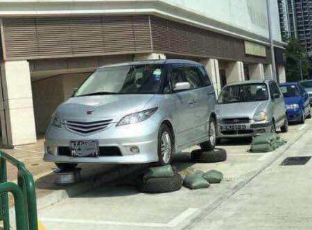Thú chơi xe - Cách người Macau bảo vệ ô tô trước siêu bão