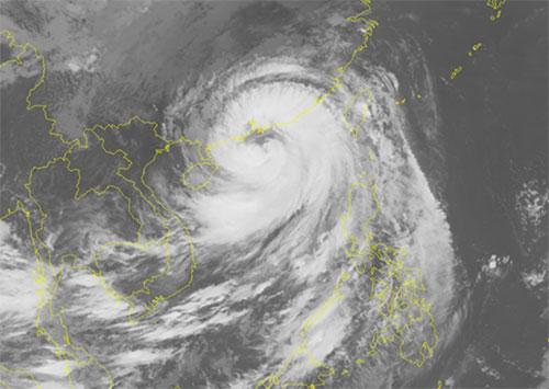Ảnh mây vệ tinh bão Mangkhut. Ảnh: NCHMF.