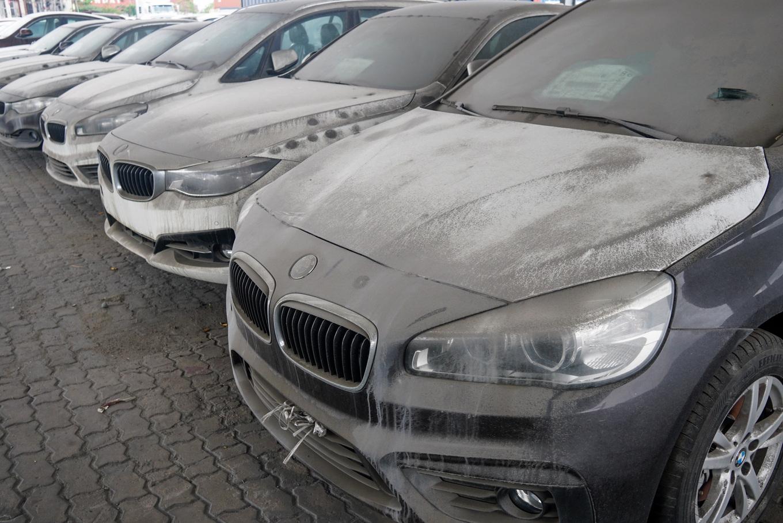 Thị trường xe - Dàn xe BMW hơn 3 triệu USD xuống cấp sau 2 năm phơi nắng Sài Gòn (Hình 4).