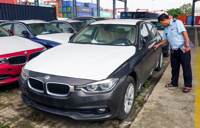 Thị trường xe - Dàn xe BMW hơn 3 triệu USD xuống cấp sau 2 năm phơi nắng Sài Gòn (Hình 3).