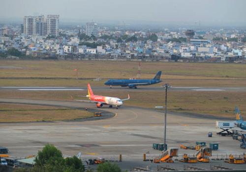Sân bay Tân Sơn Nhất có lưu lượng máy bay lớn nhất cả nước. Ảnh minh họa: Đ.Loan