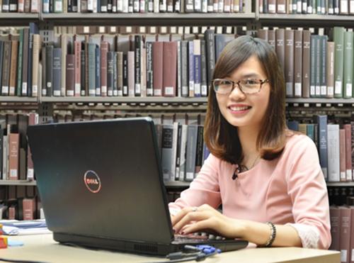 Nguyễn Thanh Hương đang là giáo viên tiếng Anh trực tuyến của Hệ thống giáo dục Hocmai.vn.