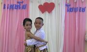 Đám cưới 'cắt tiền duyên' của hai bé sinh đôi Thái Lan