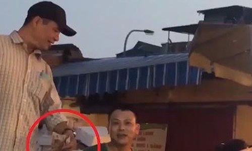 Hà Nội điều tra hoạt động ''bảo kê'' công khai ở chợ Long Biên -