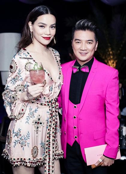 Chương trình phát 20.000 vé miễn phí và mời những ca sĩ hàng đầu Việt Nam. Đàm Vĩnh Hưng và Hồ Ngọc Hà sẽ đem đến loạt hit gắn liền với tên tuổi.