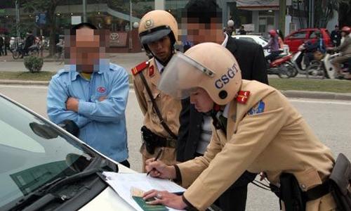 Có phải cảnh sát nhiều quyền hơn thanh tra giao thông? -