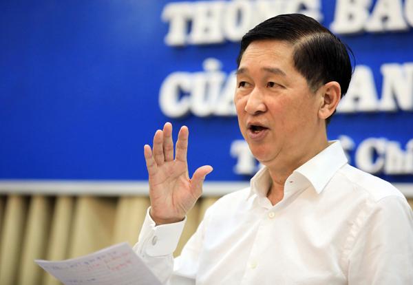 Phó chủ tịch UBND TP HCM Trần Vĩnh Tuyến phát biểu tại cuộc họp. Ảnh: Hữu Khoa.