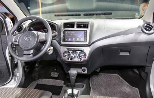 Toyota Wigo tu 345 trieu tai Viet Nam gia ngang i10