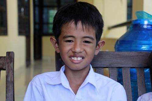 Cậu bé Lê Văn Vũ đã cứu ba người bạn của mình khỏi bị đuối nước. Ảnh: Võ Thạnh