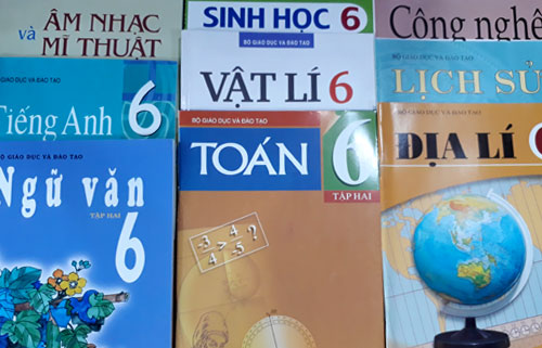 Bộ sách giáo khoa lớp 6 do Bộ Giáo dục và Đào tạo biên soạn, nhà xuất bản Giáo dục Việt Nam in - phát hành. Ảnh: Quỳnh Trang.