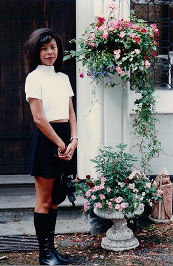 Suzanne Thi Hien Hook năm