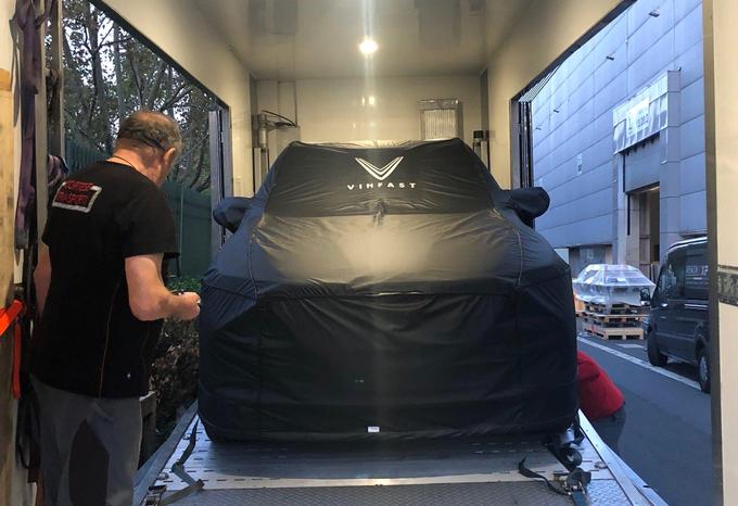 Xe VinFast lần đầu lộ diện tại Paris