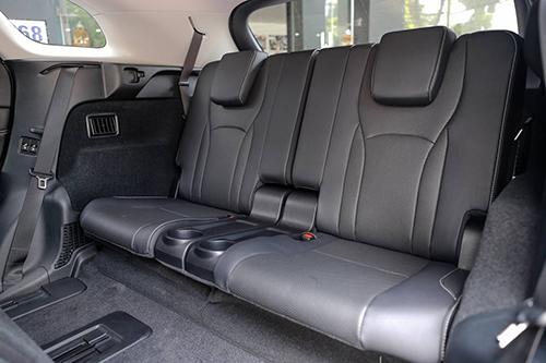 Lexus RX 350L 7 cho gia hon 4 ty tai Viet Nam