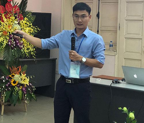 ThS Dương Đức Thắng giới thiệu kết quả nghiên cứu. Ảnh: BN.