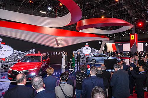 VinFast nhận giải 'Ngôi sao mới' tại Paris Motor Show - www.TAICHINH2A.COM