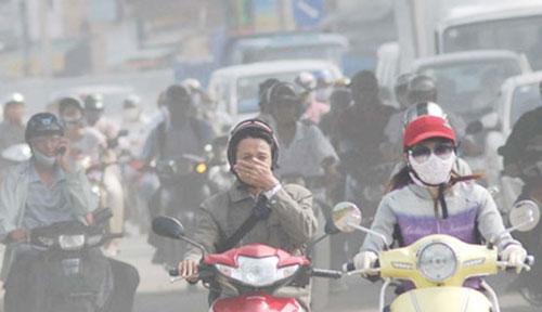 Ô nhiễm không khí ở Hà Nội đáng báo động. Ảnh: HH.